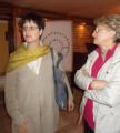 L'Assessore alla cultura Beatrice Pirocca assieme a Giovanna Gottero durante l'inaugurazione della mostra.