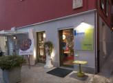 L'ingresso dell'atelier Bonetto a Chieri. (Ph. Angelo Gaidano)